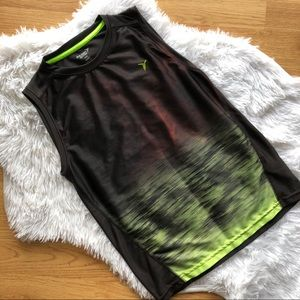 Old Navy ACTIVE Graphic Top Size M